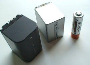 Canon FV300のバッテリーも加えて