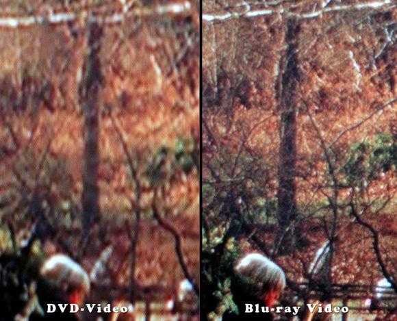 左がDVDで右がブルーレイ